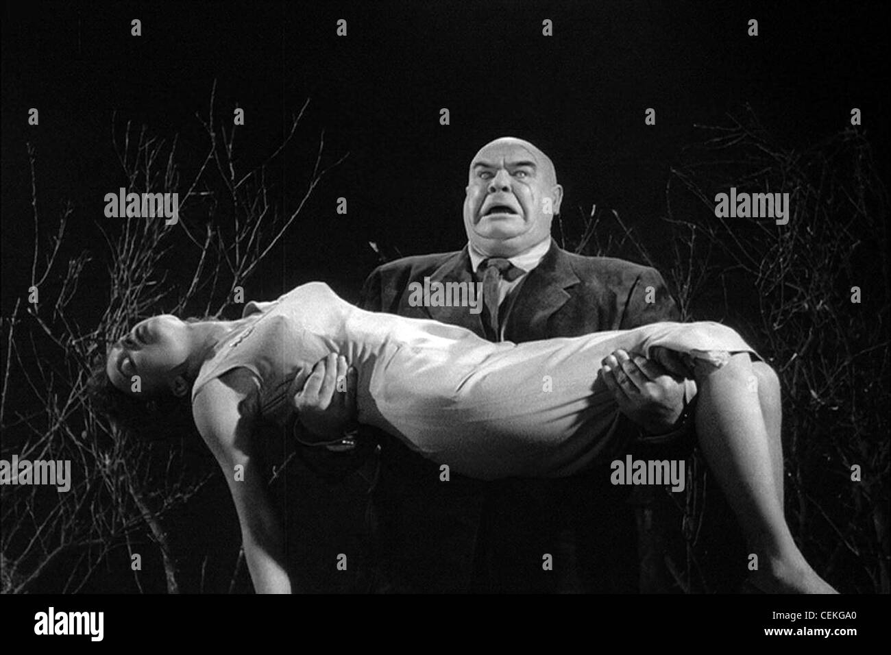 PLAN 9 FROM OUTER SPACE (1959) MONA MCKINNON TOR JOHNSON EDWARD D. WOOD JR. (DIR) 008 MOVIESTORE COLLECTION LTD - Stock Image