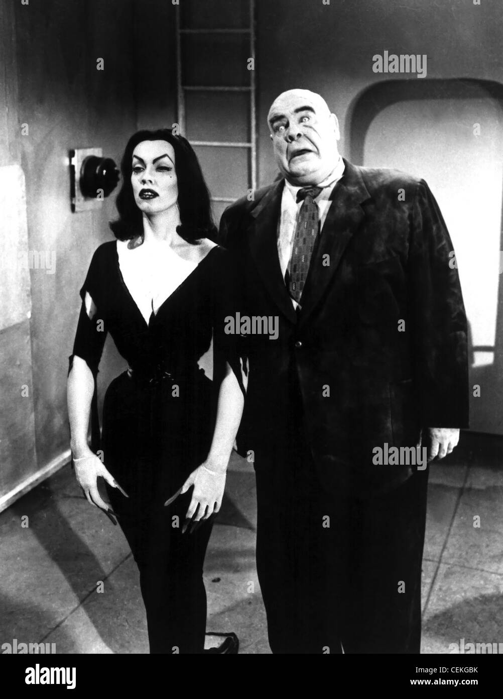 PLAN 9 FROM OUTER SPACE (1959) VAMPIRA TOR JOHNSON EDWARD D. WOOD JR. (DIR) 009 MOVIESTORE COLLECTION LTD - Stock Image