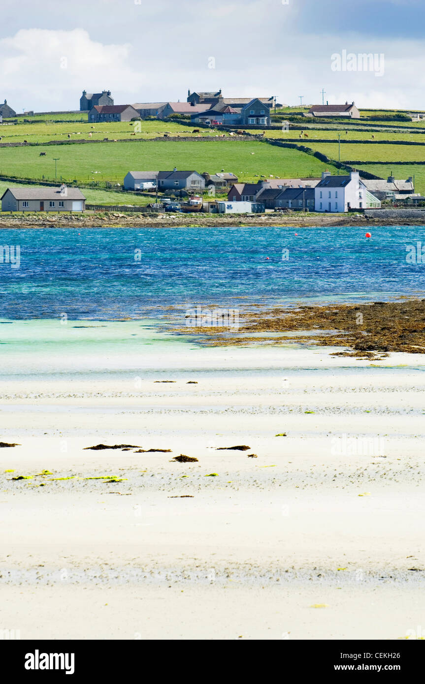 Bay of Pierowall, and the village of Pierowall, on the island of Westray, Orkney Islands, Scotland. - Stock Image