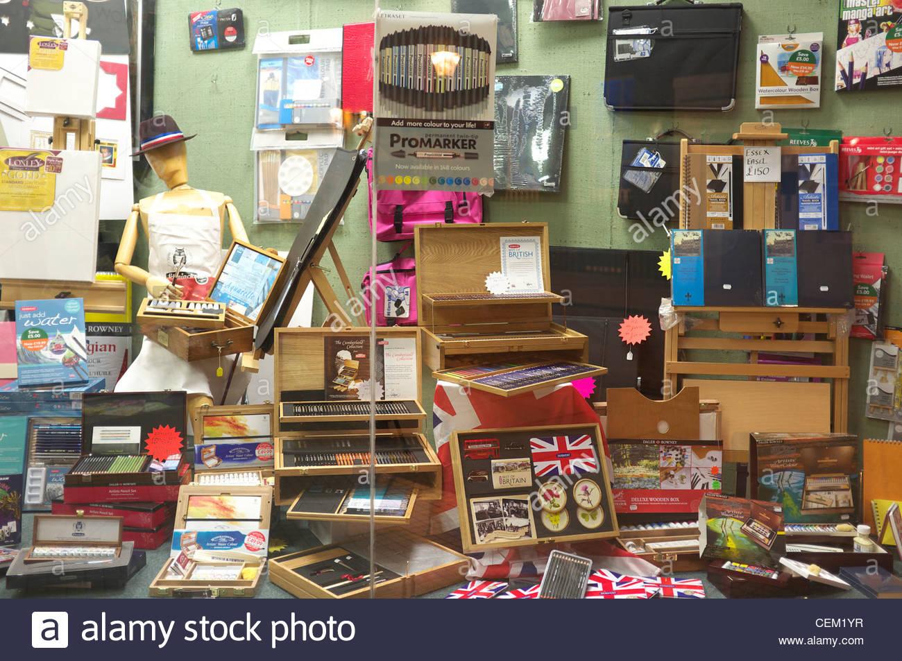 Art Craft Shop Window Display In Rochester Kent Uk Stock