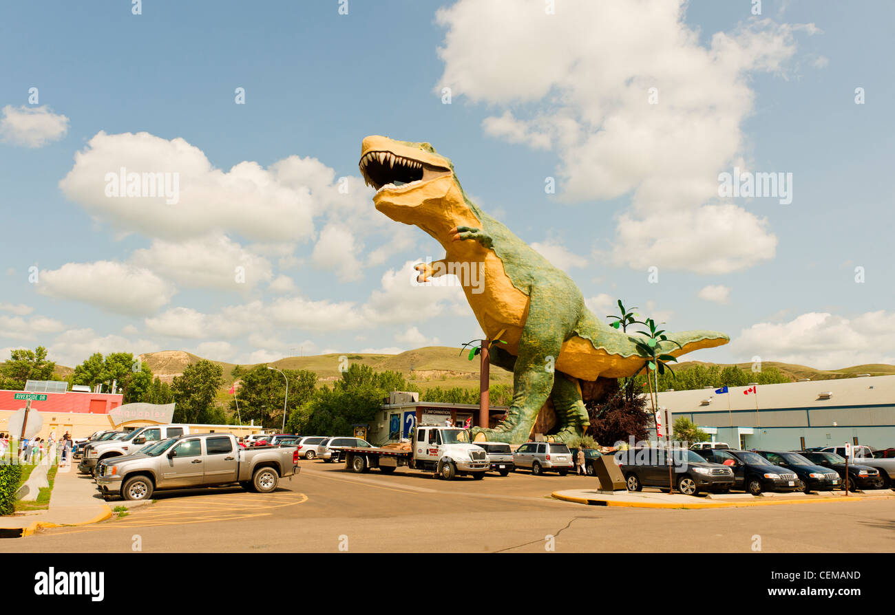 'Worlds Largest Dinosaur', a 25 m. tall fiberglass and steel Tyrannosaurus Rex model, in Drumheller, Alberta, - Stock Image
