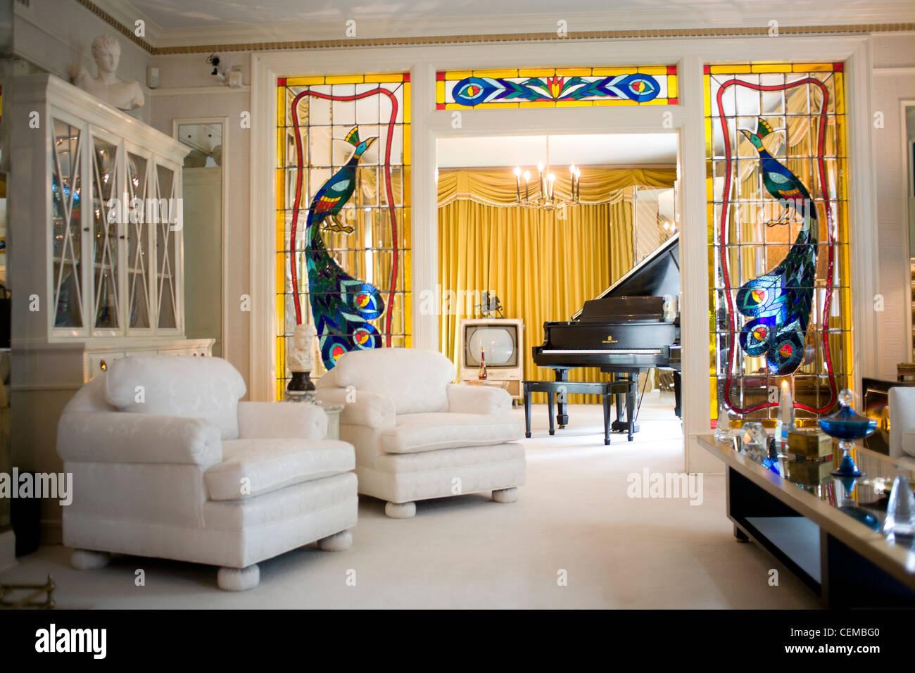 Elvis Presleys Graceland Home Interiors Stock Photos & Elvis ...