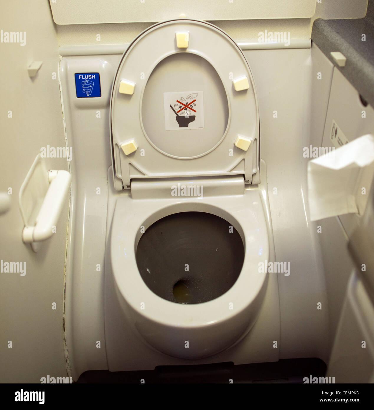 Plane Toilet Stock Photos & Plane Toilet Stock Images - Alamy