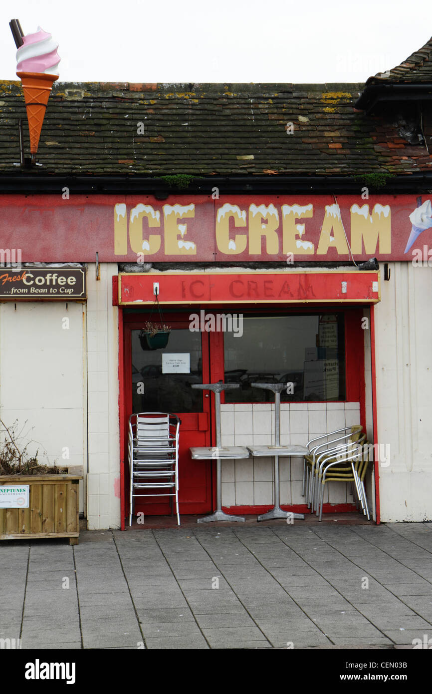 Dilapidated seafront ice-cream parlour, Herne Bay, Kent UK - Stock Image