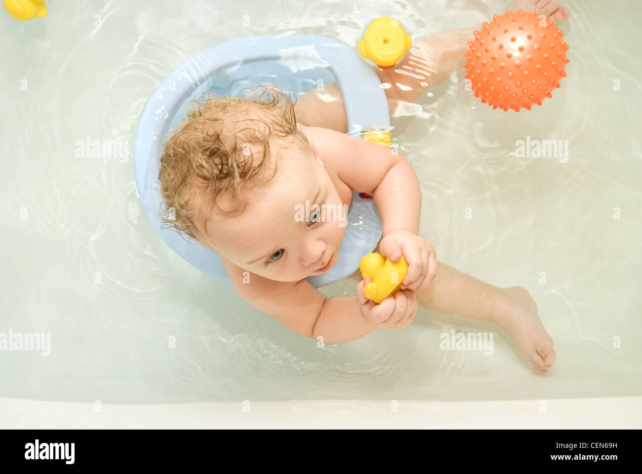 sweet toddler baby boy in bath. top view Stock Photo: 43491885 - Alamy