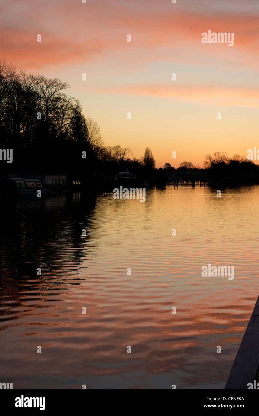 UK, England, Surrey, River Thames sunrise - Stock Image