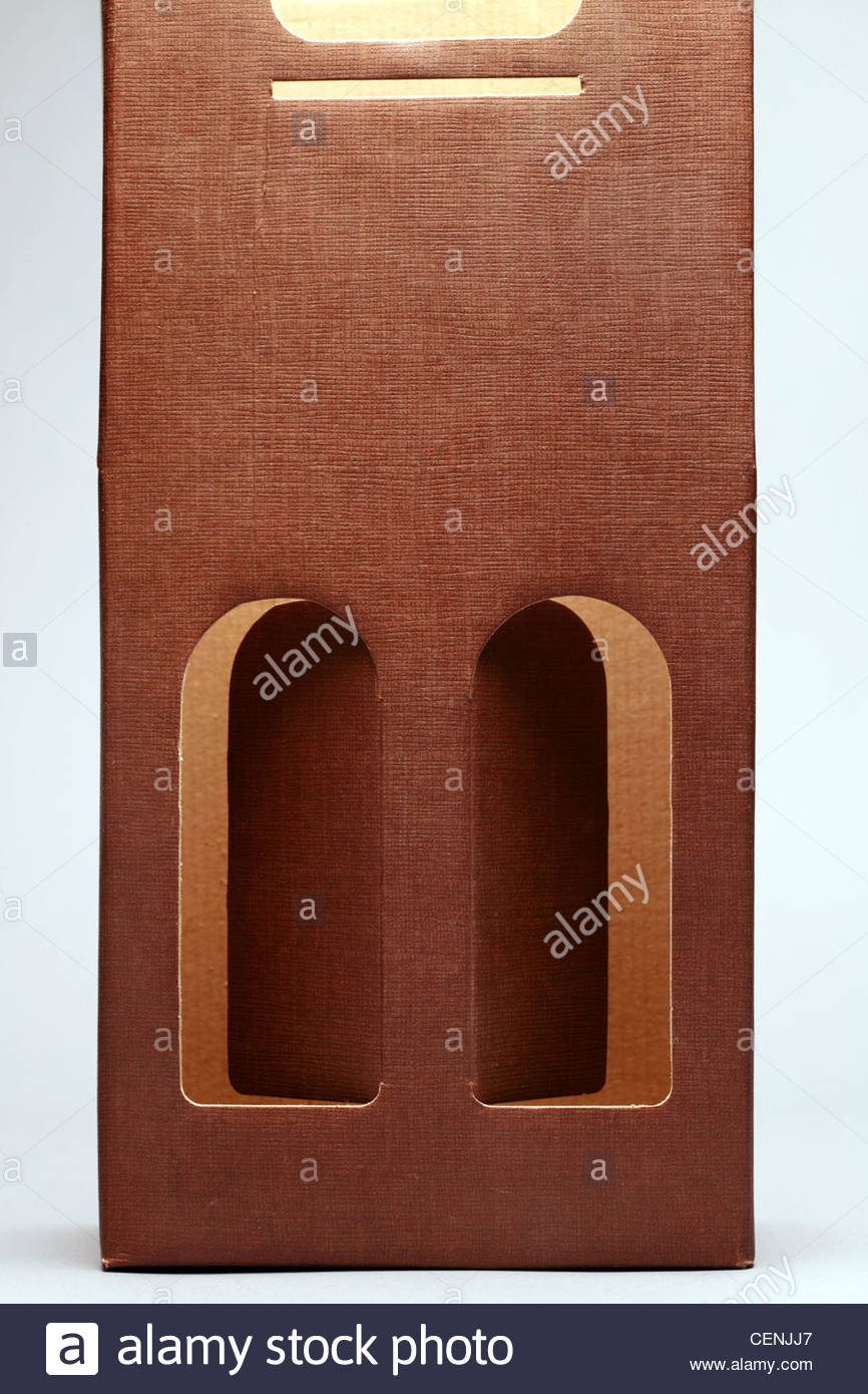 carton carry packaging for wine bottles - Stock Image