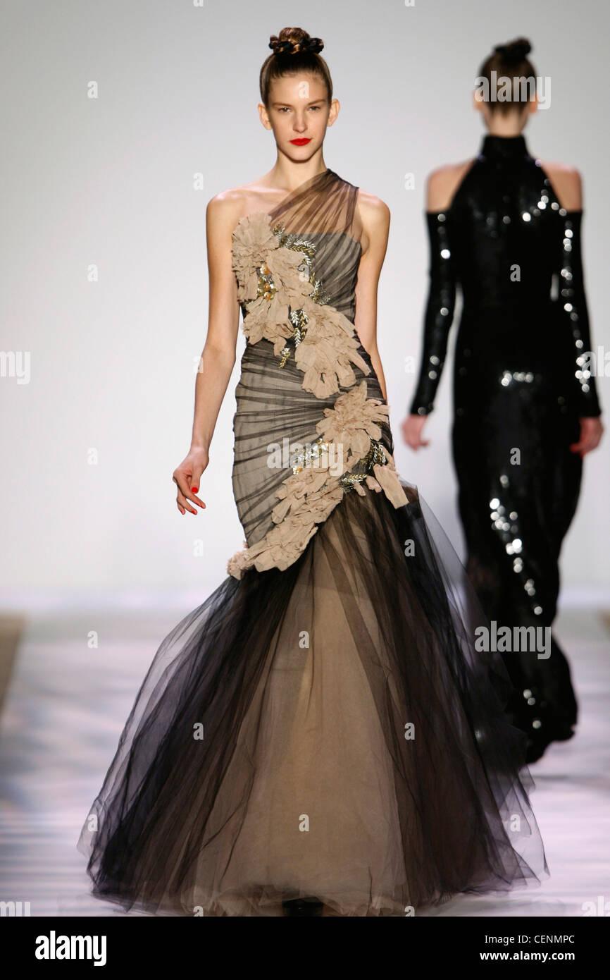 Evening Gown Monique Lhuillier Stock Photos & Evening Gown Monique ...
