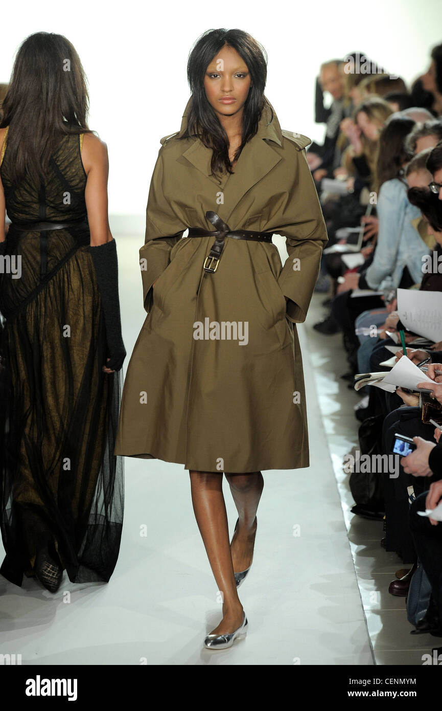 361decbdc81a Aquascutum London Ready to Wear Autumn Winter Olive oversize trench coat  with leather belt and shoulder epaulettes