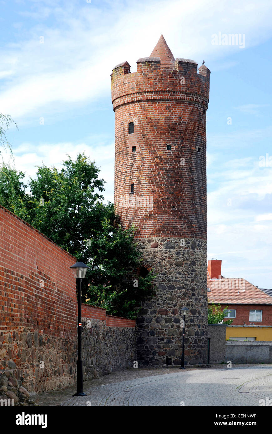 City wall of Jueterbog with the gate Frauentor in the historical centre of the Brandenburg town. - Stock Image