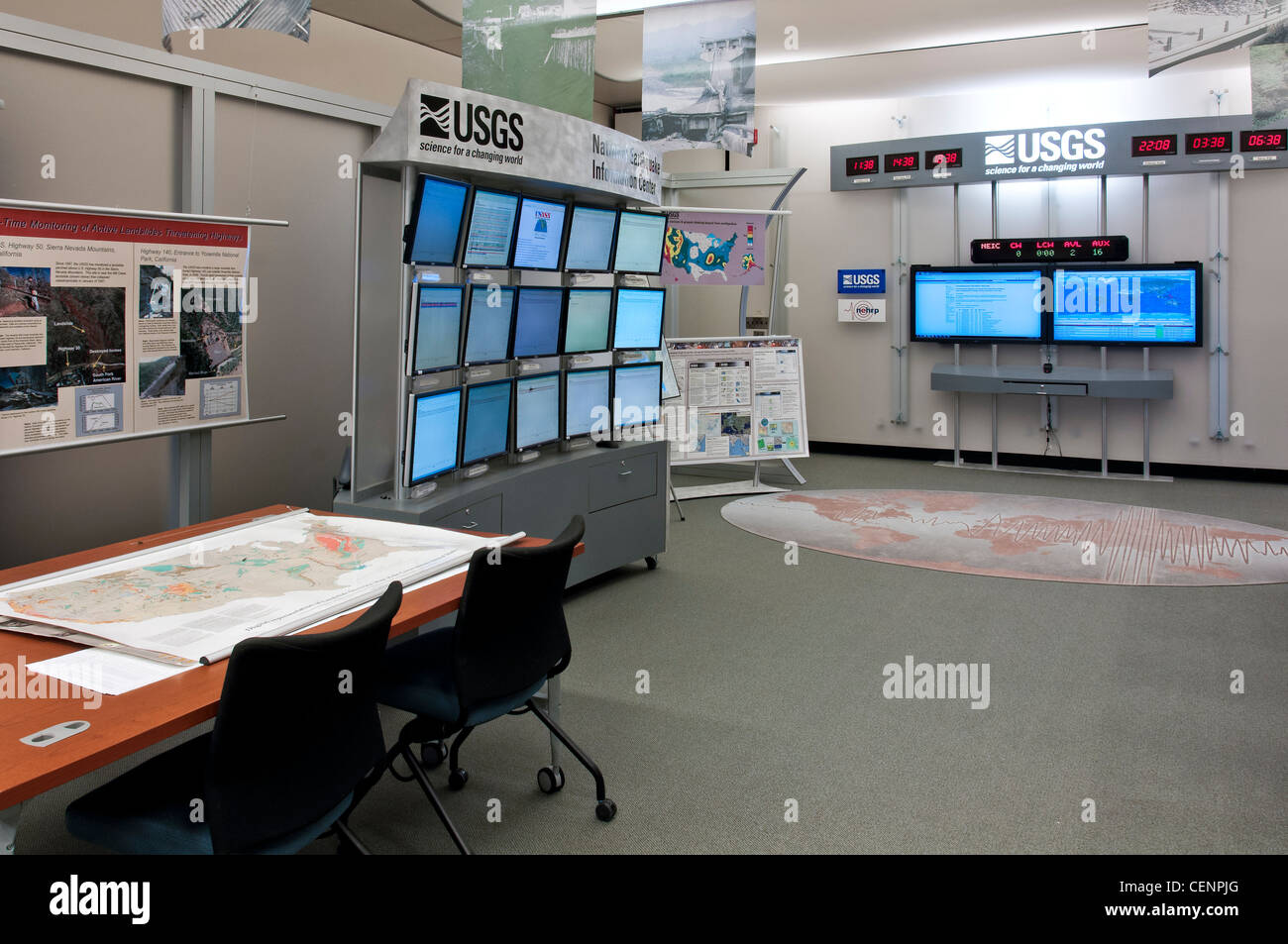 Inside the National Earthquake Information Center, United States Geological Survey (USGS), Golden, Colorado. - Stock Image