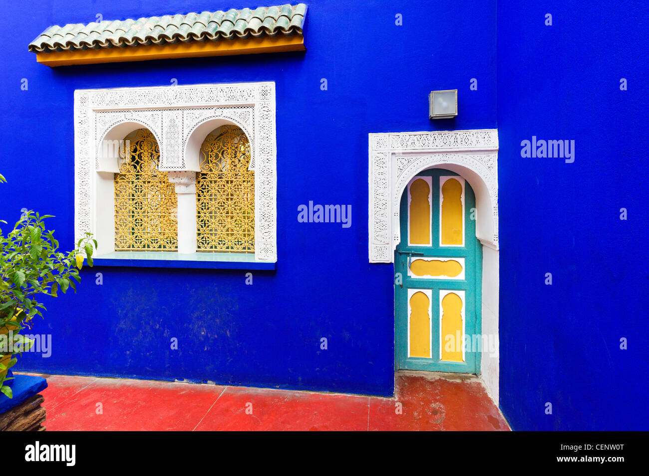 Door in the villa at the centre of the Jardin Majorelle ( Majorelle Garden ), Marrakech, Morocco, North Africa - Stock Image