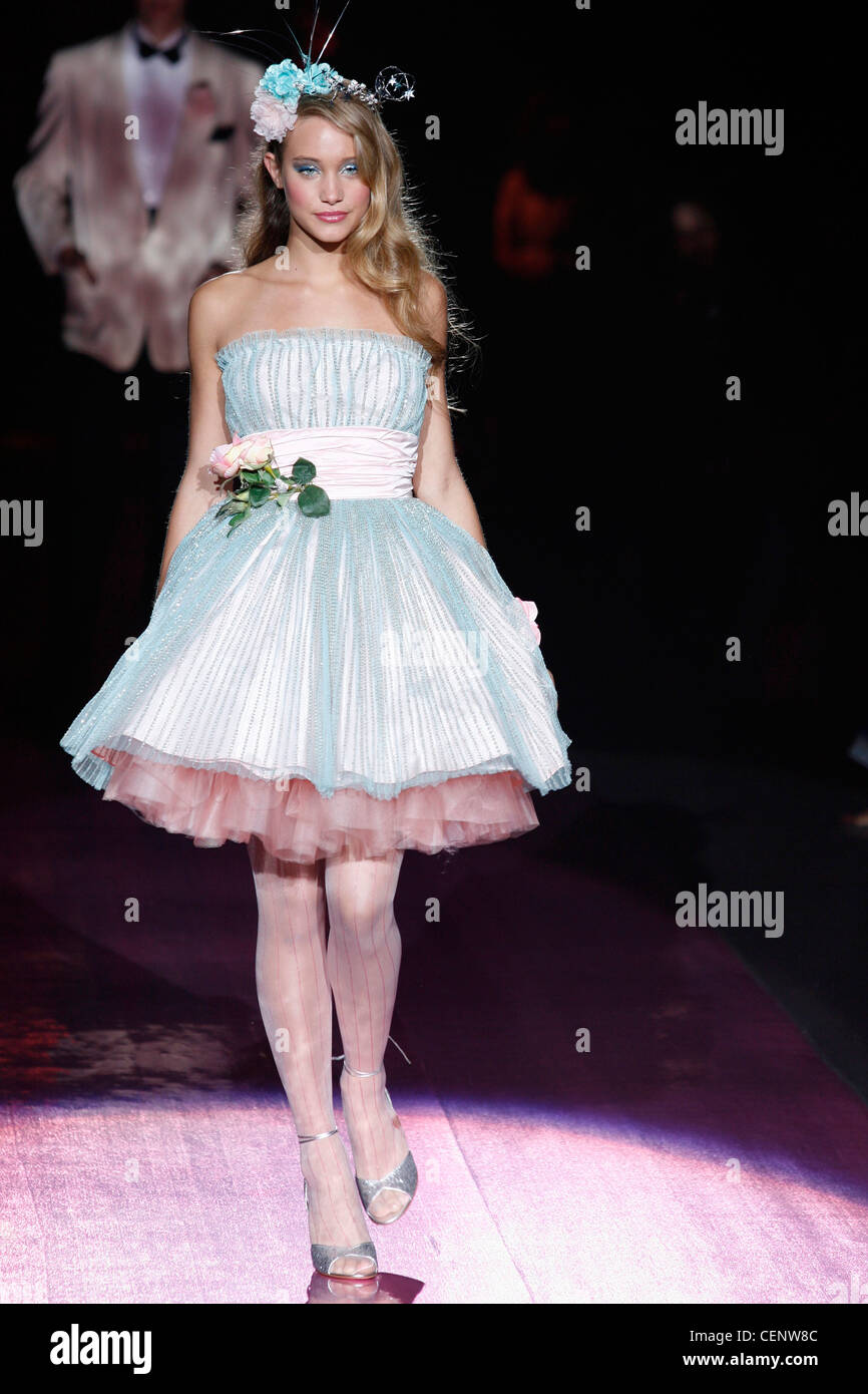 Wedding Gown Petticoat Stock Photos & Wedding Gown Petticoat Stock ...