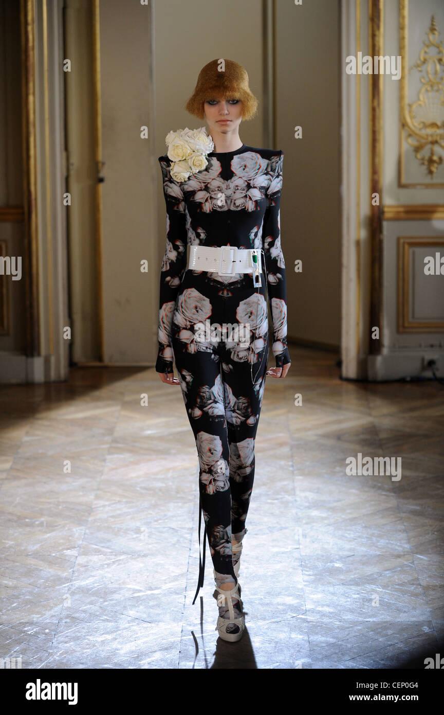 Fashion Boudicca Stock Photos & Fashion Boudicca Stock ...