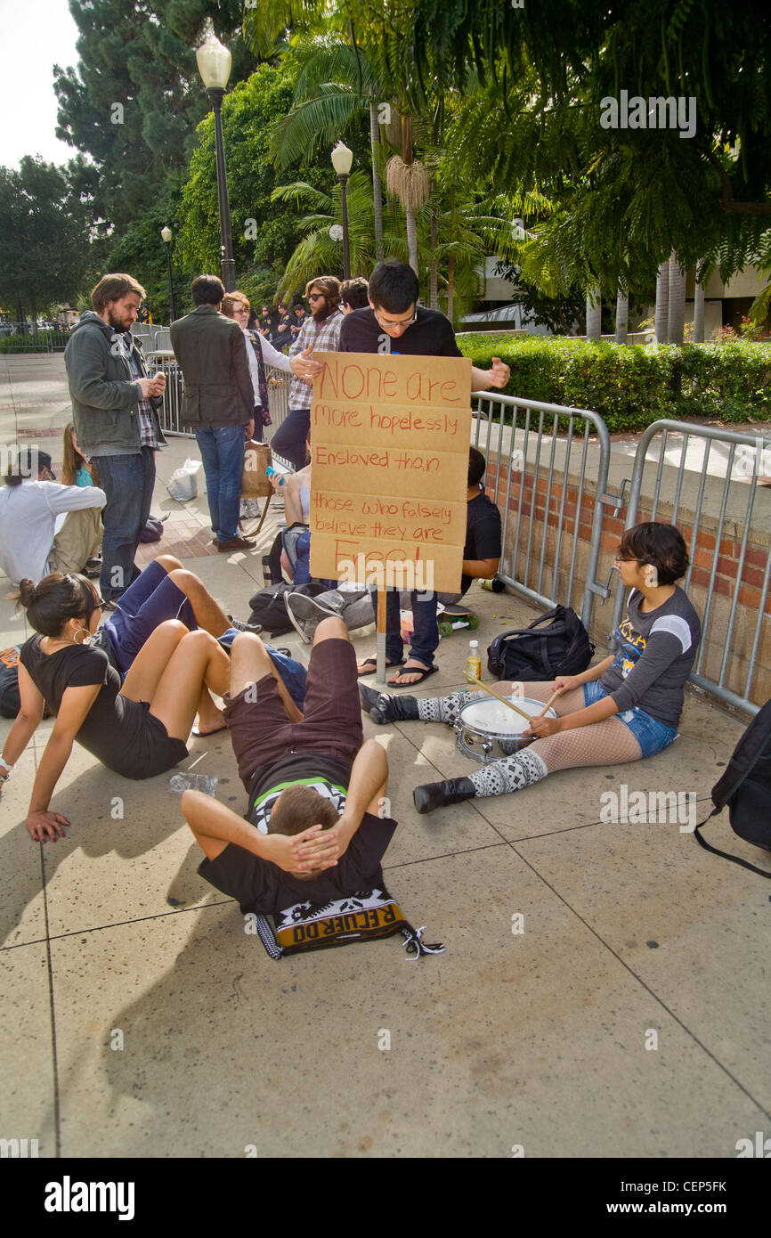 Students protesting tuition increases at the University of California at Los Angeles (UCLA) take a leisurely approach - Stock Image