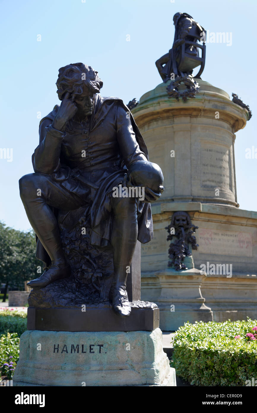 A life-size statue of Hamlet holding a skull, part of The Gower Memorial in Bancroft gardens. The memorial features - Stock Image