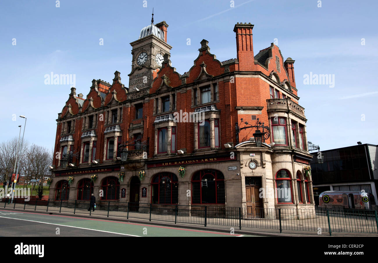 Bartons Arms Public House, Aston Birmingham. One of the most historic Public Houses in Birmingham. - Stock Image