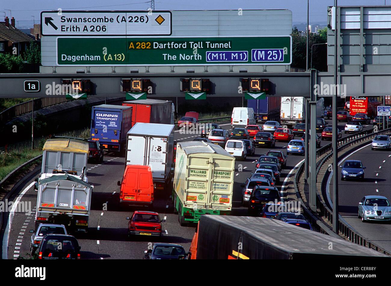 Traffic congestion on the M25 motorway at Dartford. - Stock Image
