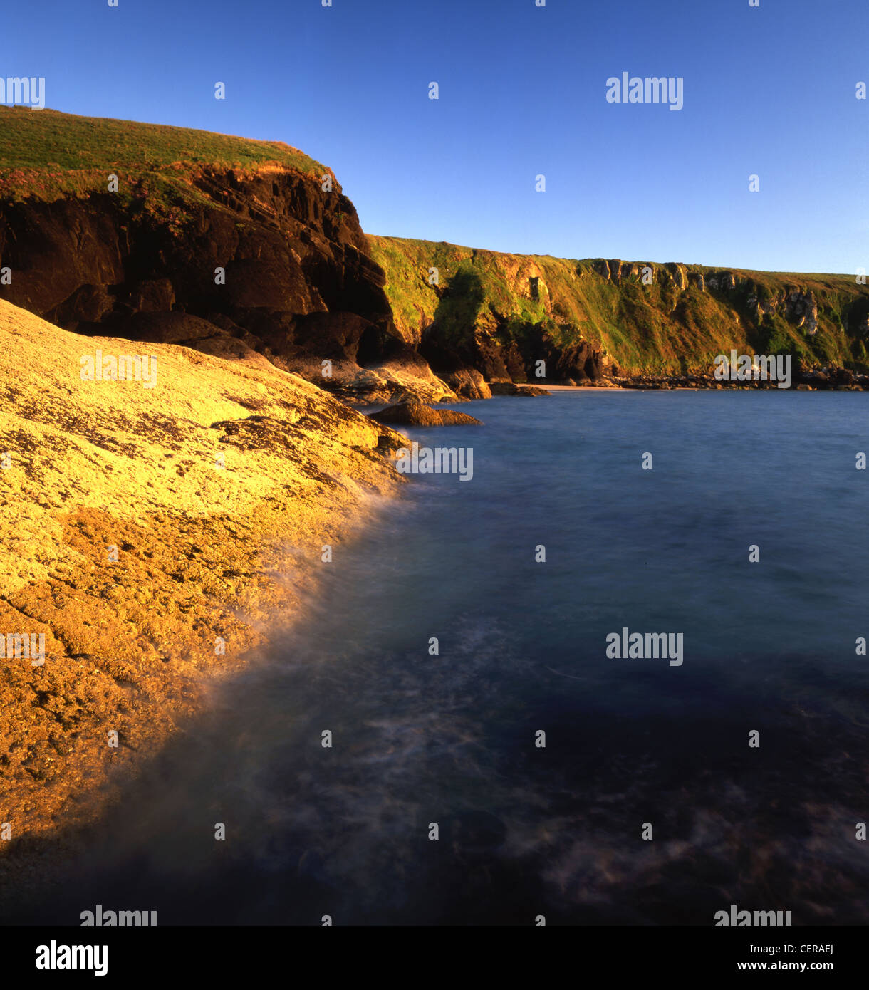 Musselwick Sands near Marloes. It is a lovely secluded beach guarded by high cliffs. - Stock Image