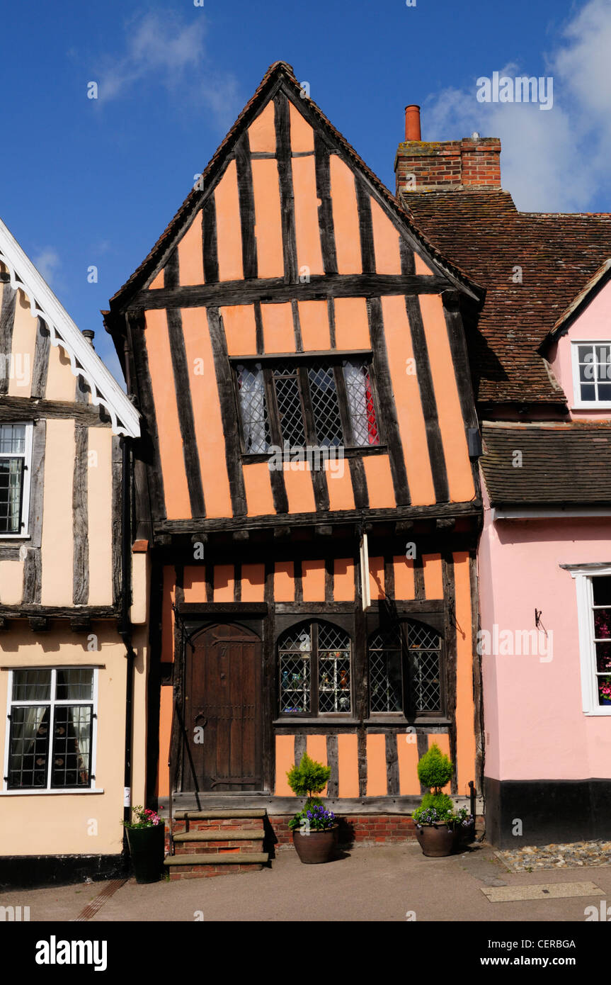 The Crooked House Gallery in a half-timbered medieval building built around 1425 in Lavenham. - Stock Image