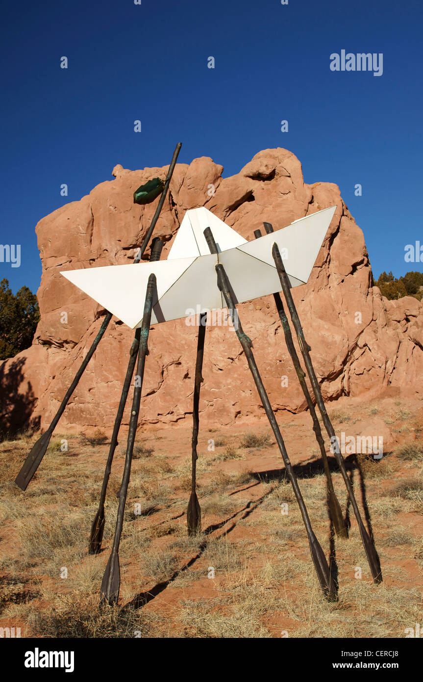 artwork garden of the gods lone butte new mexico nm stick shelter sculpture center scenic convoluted geology - Stock Image