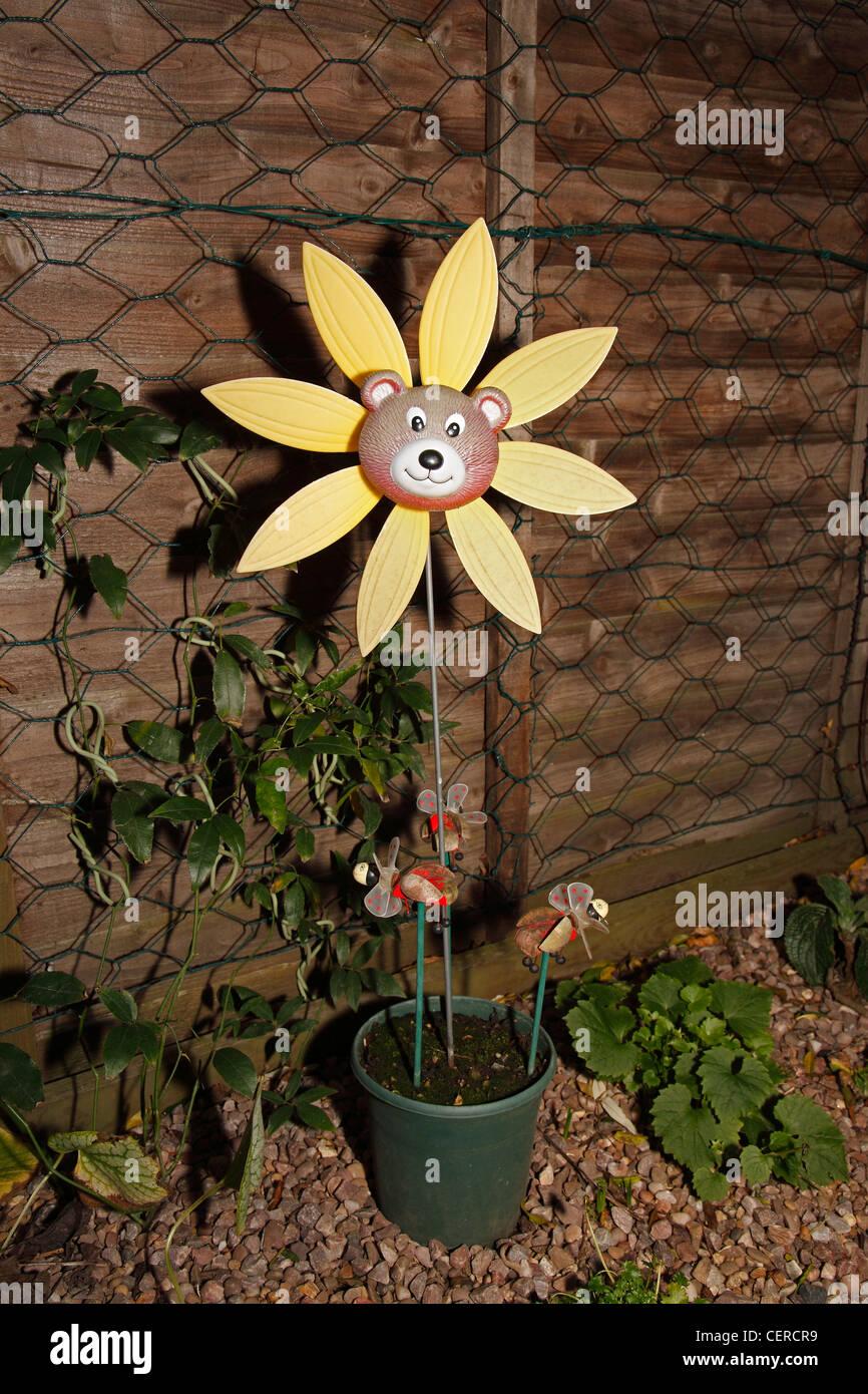 Garden sunflower windmill in pot Stock Photo: 43540877 - Alamy
