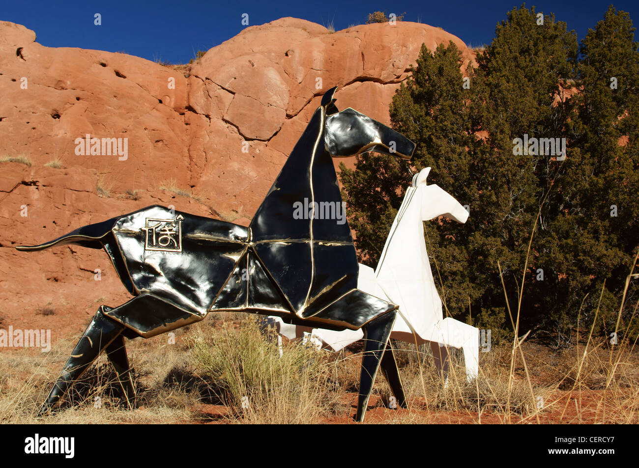 artwork garden of the gods lone butte new mexico nm horses sculpture center scenic convoluted geology art - Stock Image