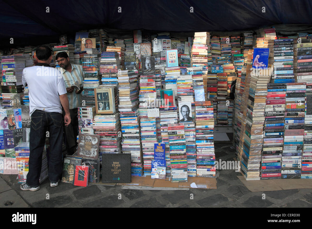 India, Maharashtra, Mumbai, bookseller, books, - Stock Image