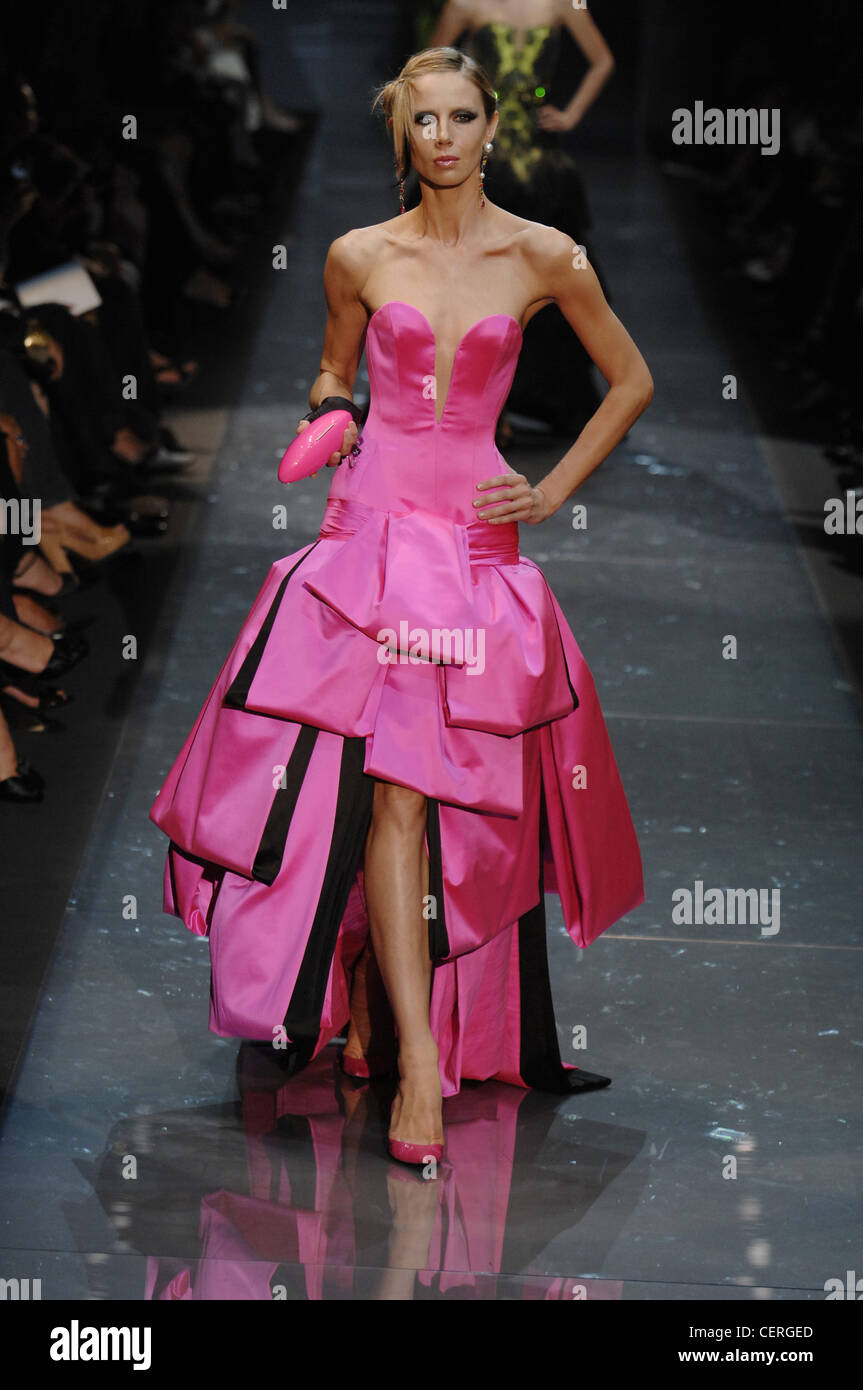 Pink Strapless Armani Prive Gown Stock Photos & Pink Strapless ...