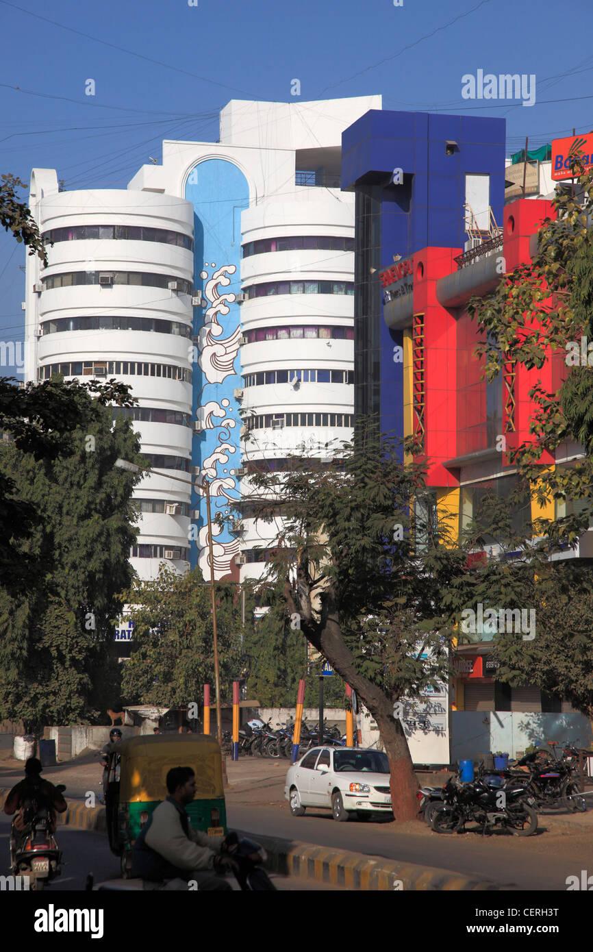India, Gujarat, Ahmedabad, new town, modern buildings, street scene, - Stock Image