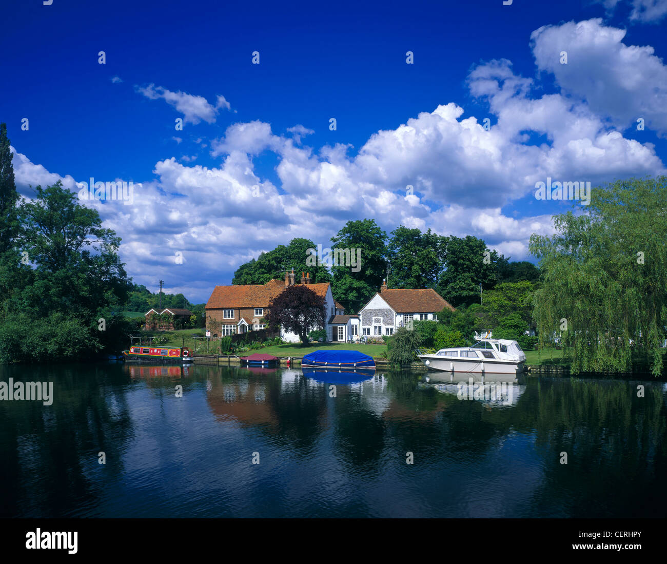 A scene on the River Thames at Hambleden. - Stock Image