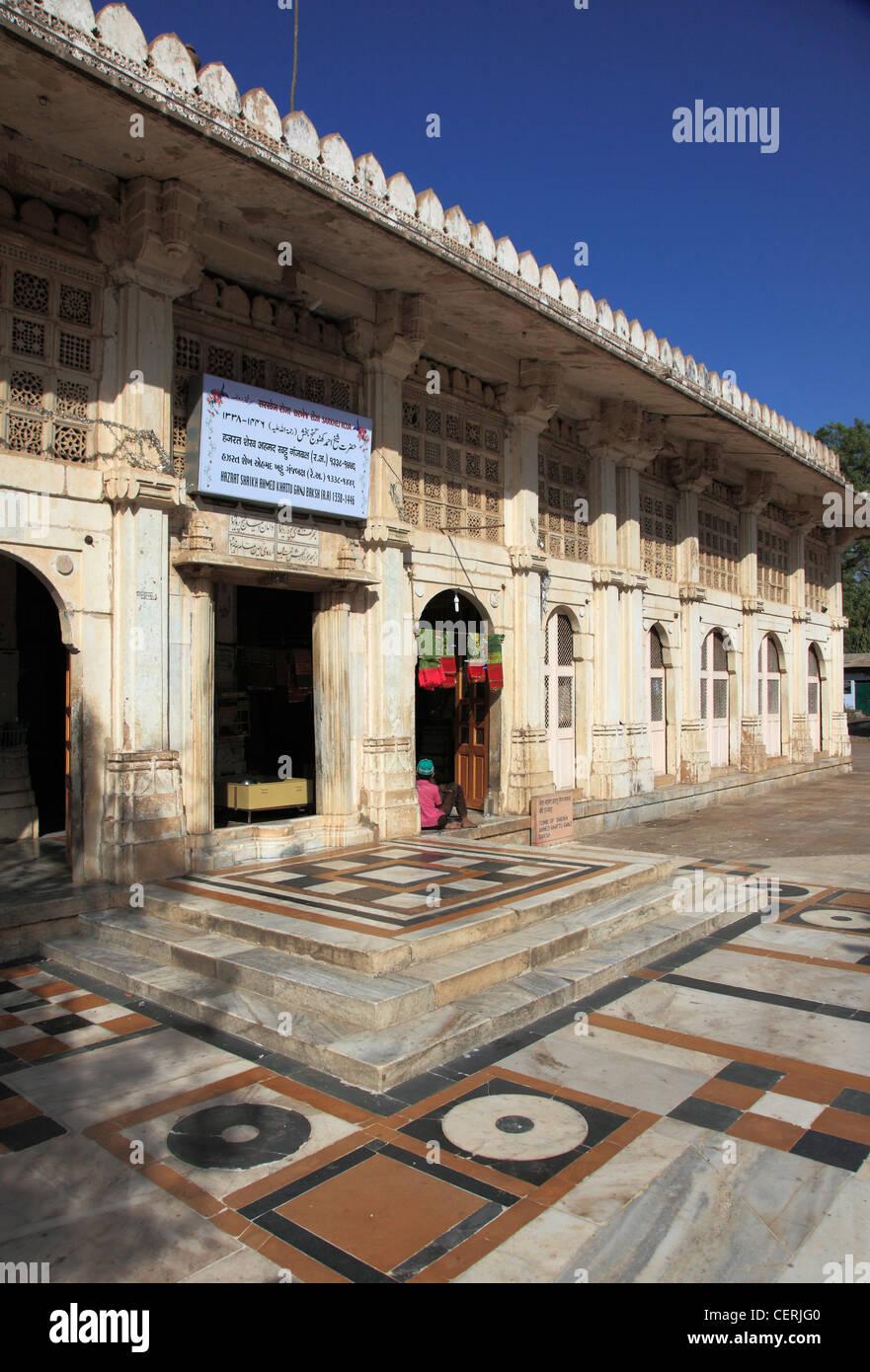 India, Gujarat, Ahmedabad, Sarkhej Rosa, Tomb of Sheikh Ahmed Khattu Ganj Baksh, - Stock Image