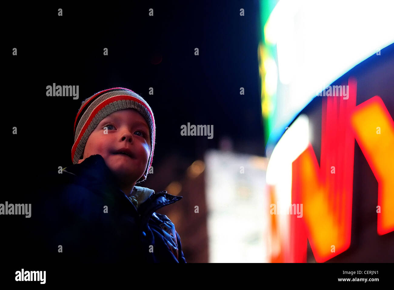 little boy in the big city - Stock Image
