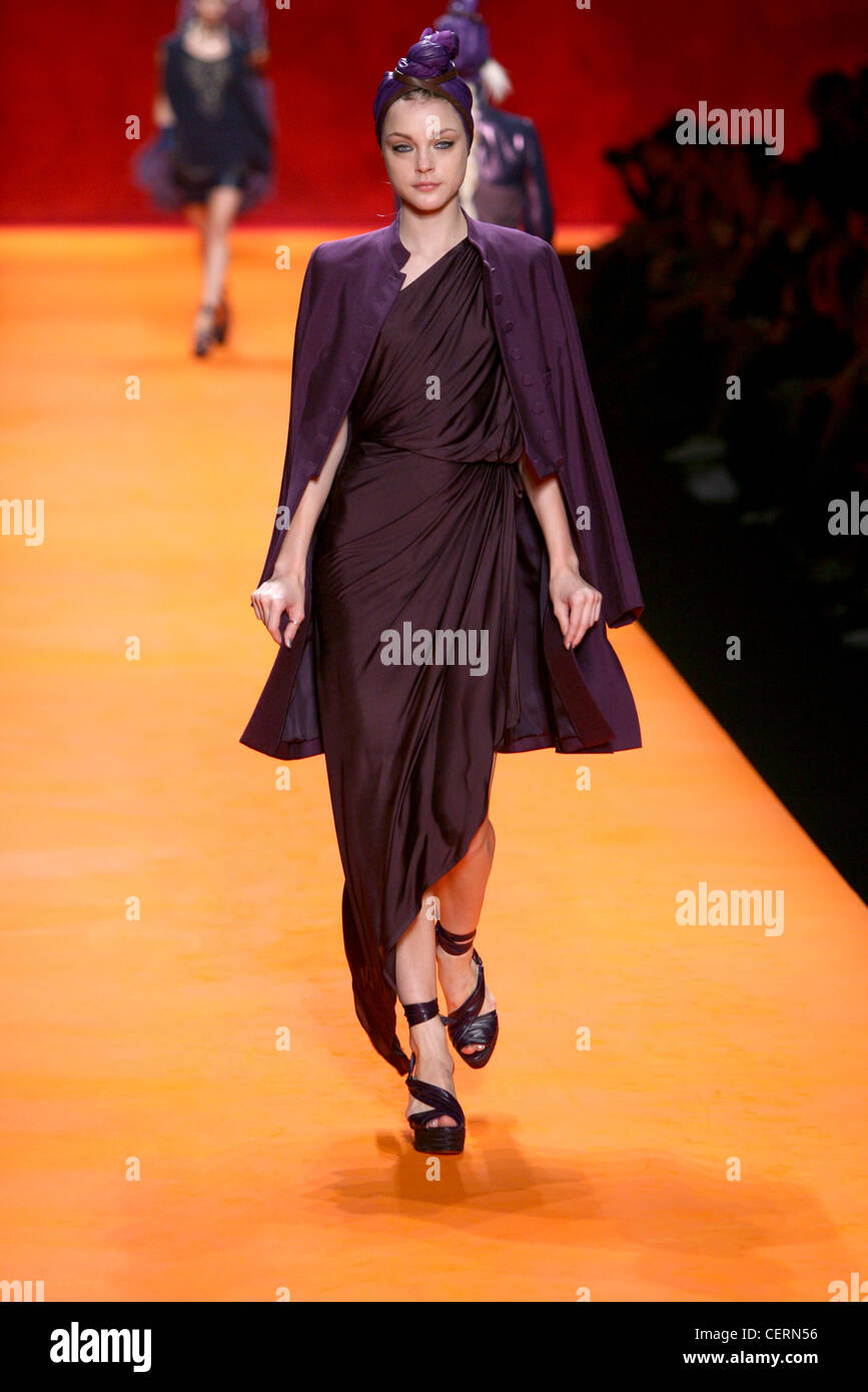 Hermes Paris Ready to Wear Spring Summer American model Jessica Stam wearing all purple turban, Grecian drape dress, - Stock Image
