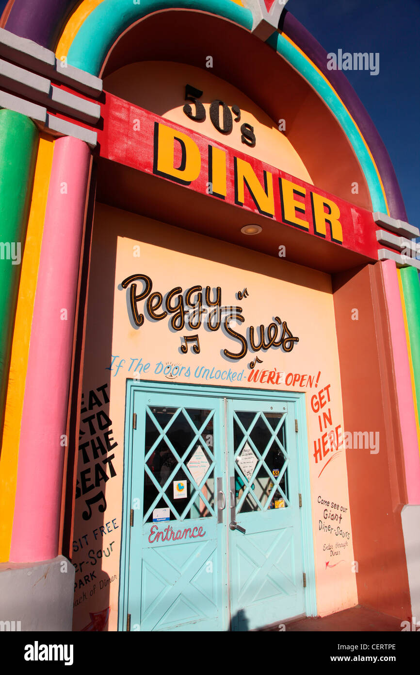 peggy sue 39 s 50 39 s american diner on route 66 usa stock. Black Bedroom Furniture Sets. Home Design Ideas