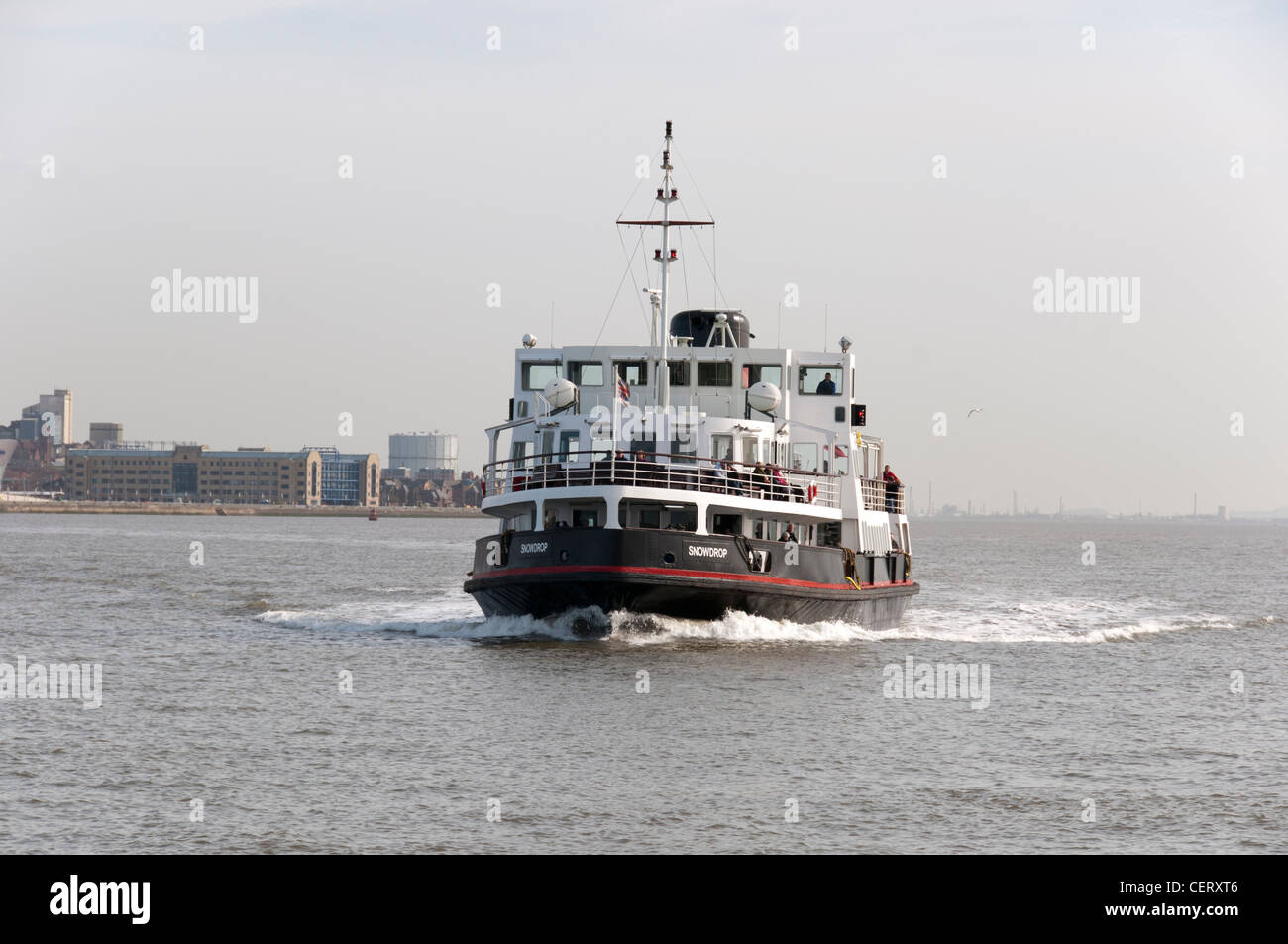 Mersey Ferry crossing the river from Liverpool - Stock Image