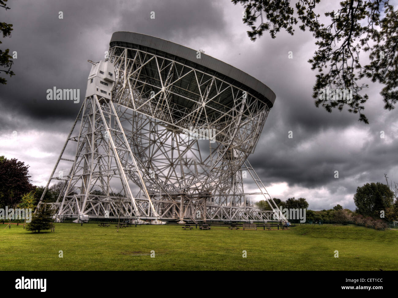 Jodrell Bank Observatory radio Telescope, Holes Chapel, Cheshire, UK - Stock Image