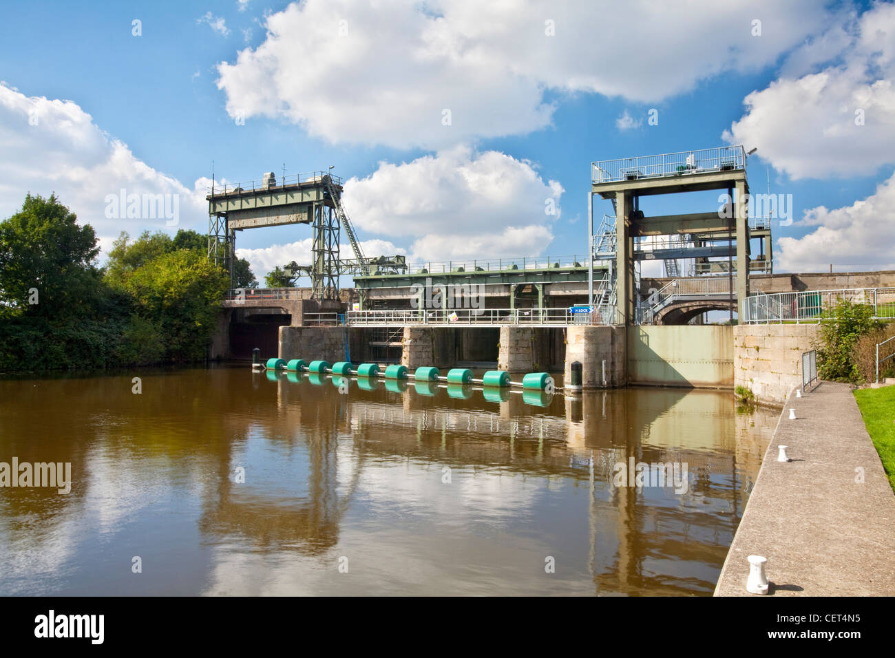 Part of the Denver Sluice on the River Great Ouse, designed to divert the tidal water into the man-made Hundred - Stock Image