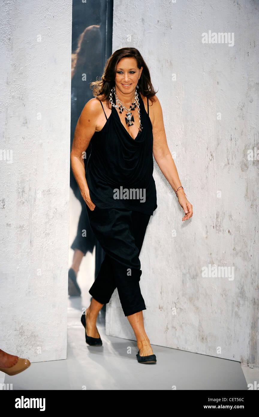 Donna Karan High Resolution Stock Photography And Images Alamy