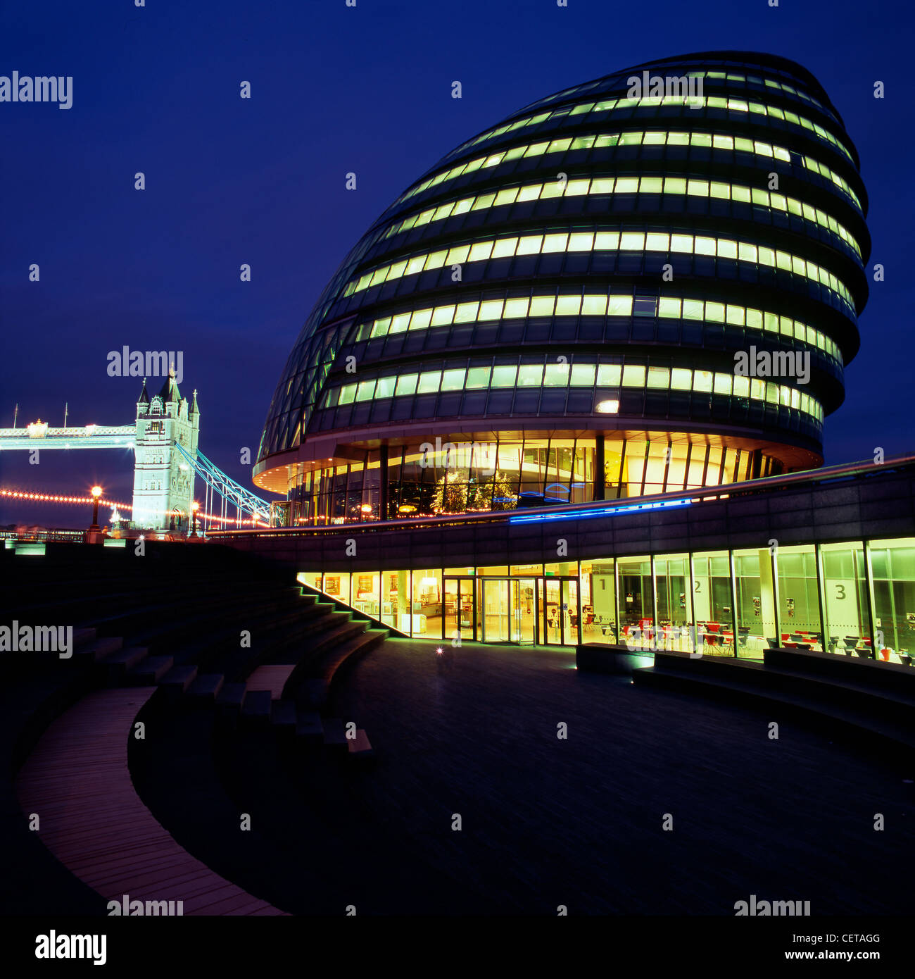 City Hall at night. The headquarters of the Greater London Authority, the building was designed by Norman Foster - Stock Image