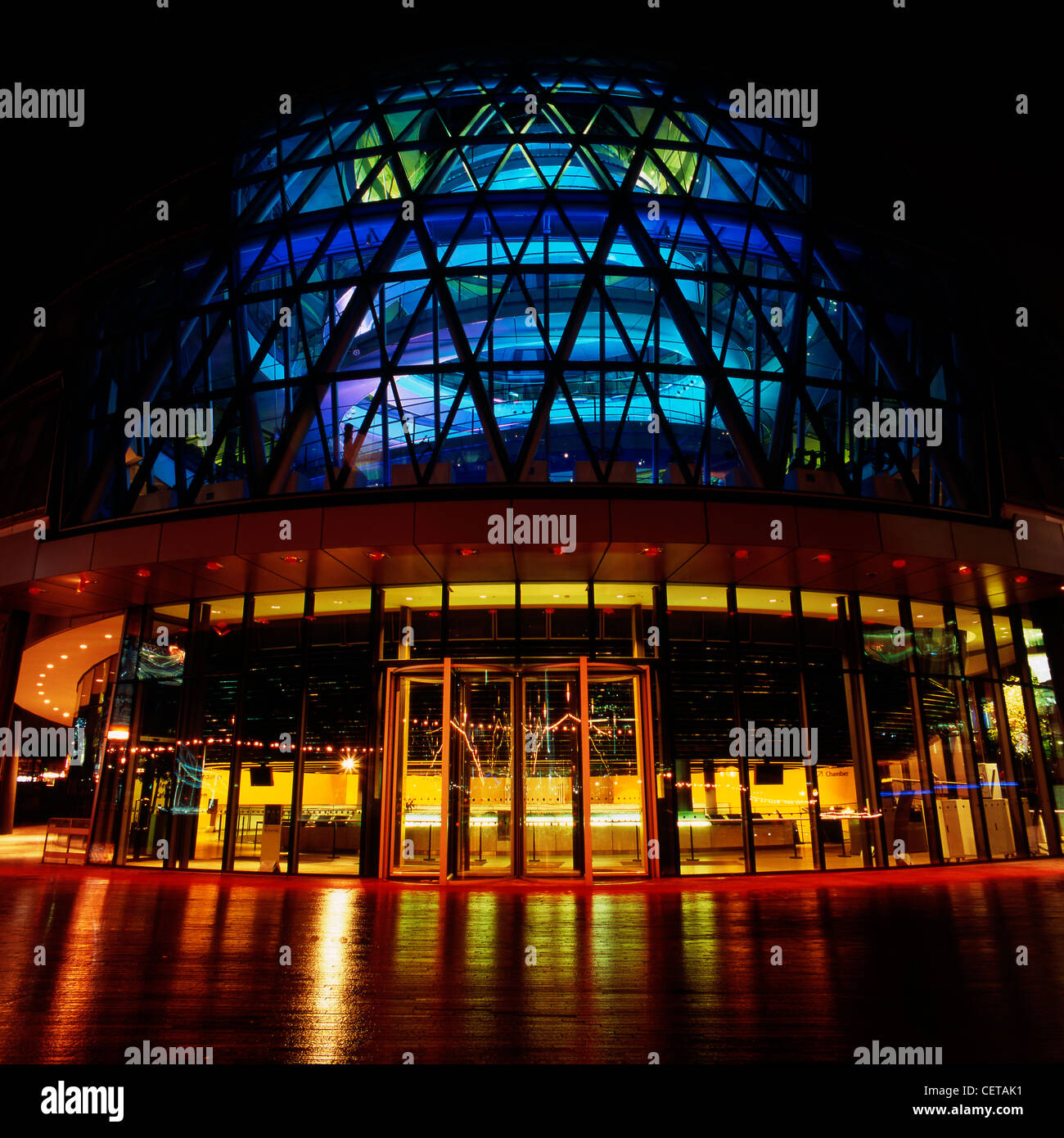 City Hall at night. Headquarters of Greater London Authority, the building was designed by Norman Foster and opened - Stock Image