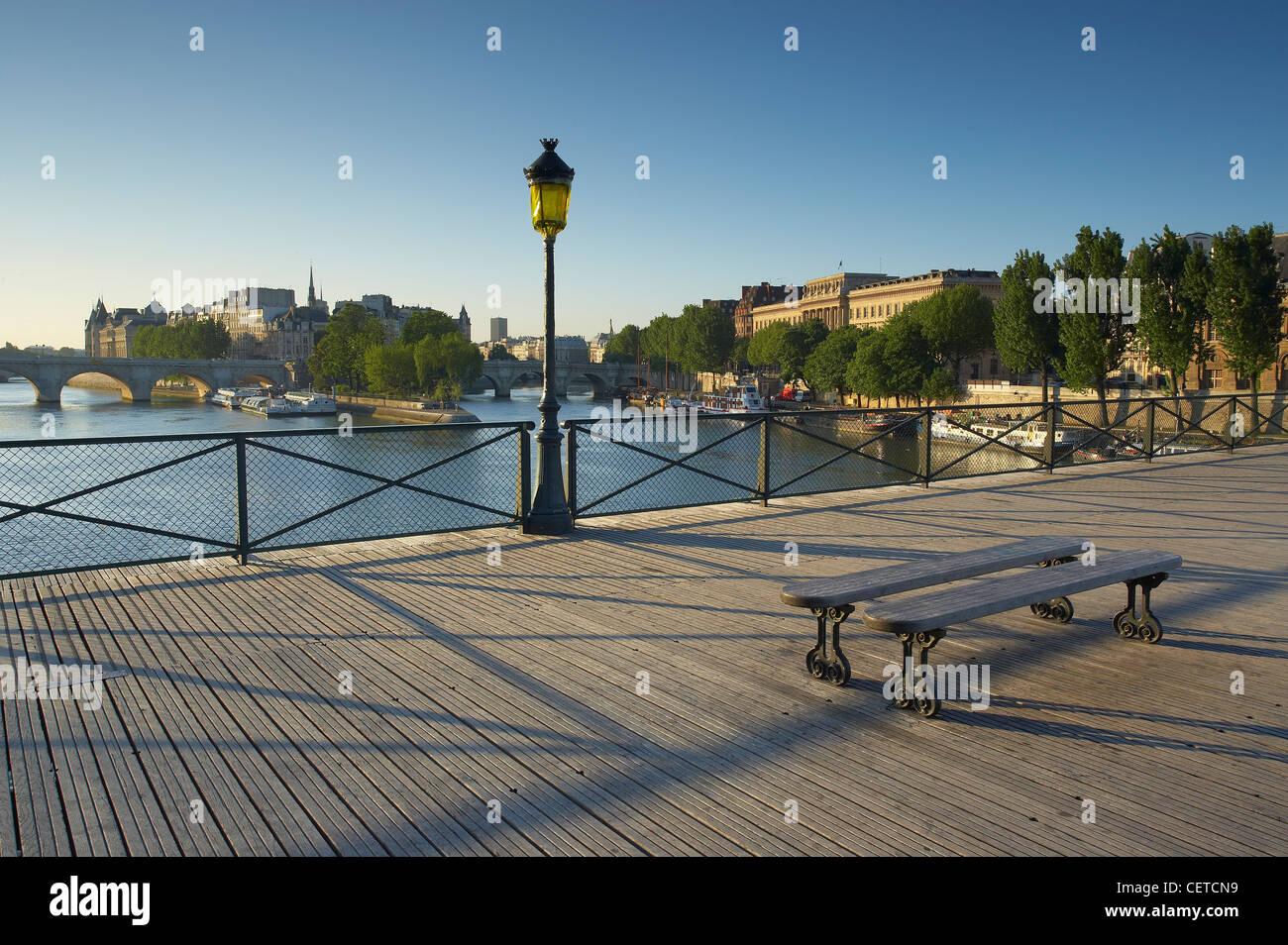 the Pont des Arts over the River Seine with the Ile de la Cite beyond, Paris, France - Stock Image
