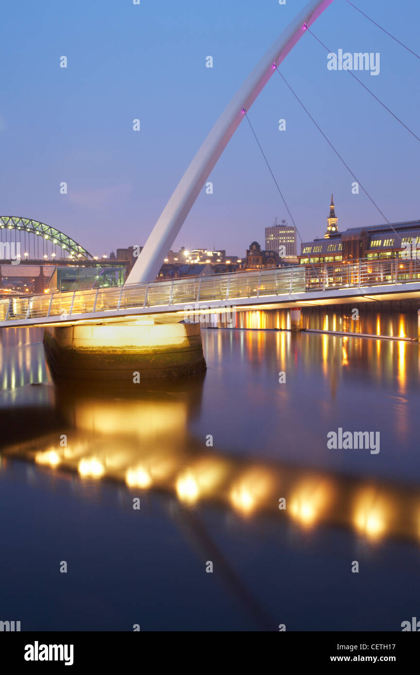 Detail of Millennium Bridge. Designed by Wilkinson Eyre Architects and engineered by Gifford, the bridge takes its - Stock Image