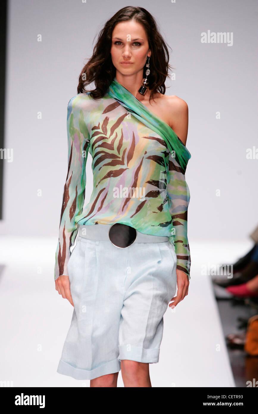 Hadiqa designer kiani collection for eid, 12 limited major edition value beauty sets