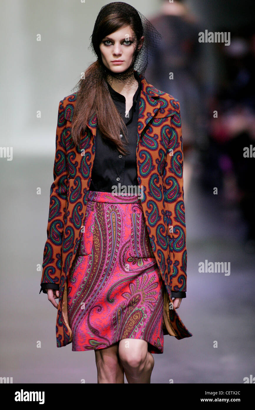 b4fe0d3ec633 Miu Miu Milan Ready to Wear Autumn Winter Side ponytail and net headscarf