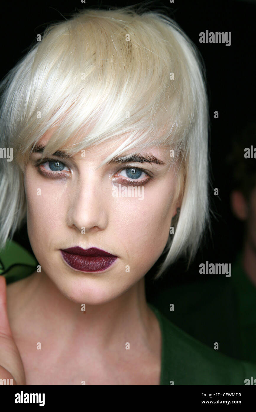 House of Holland Backstage London Ready to Wear Autumn Winter Heroin Chic: Model Agyness Deyn smudged eyeshadow - Stock Image