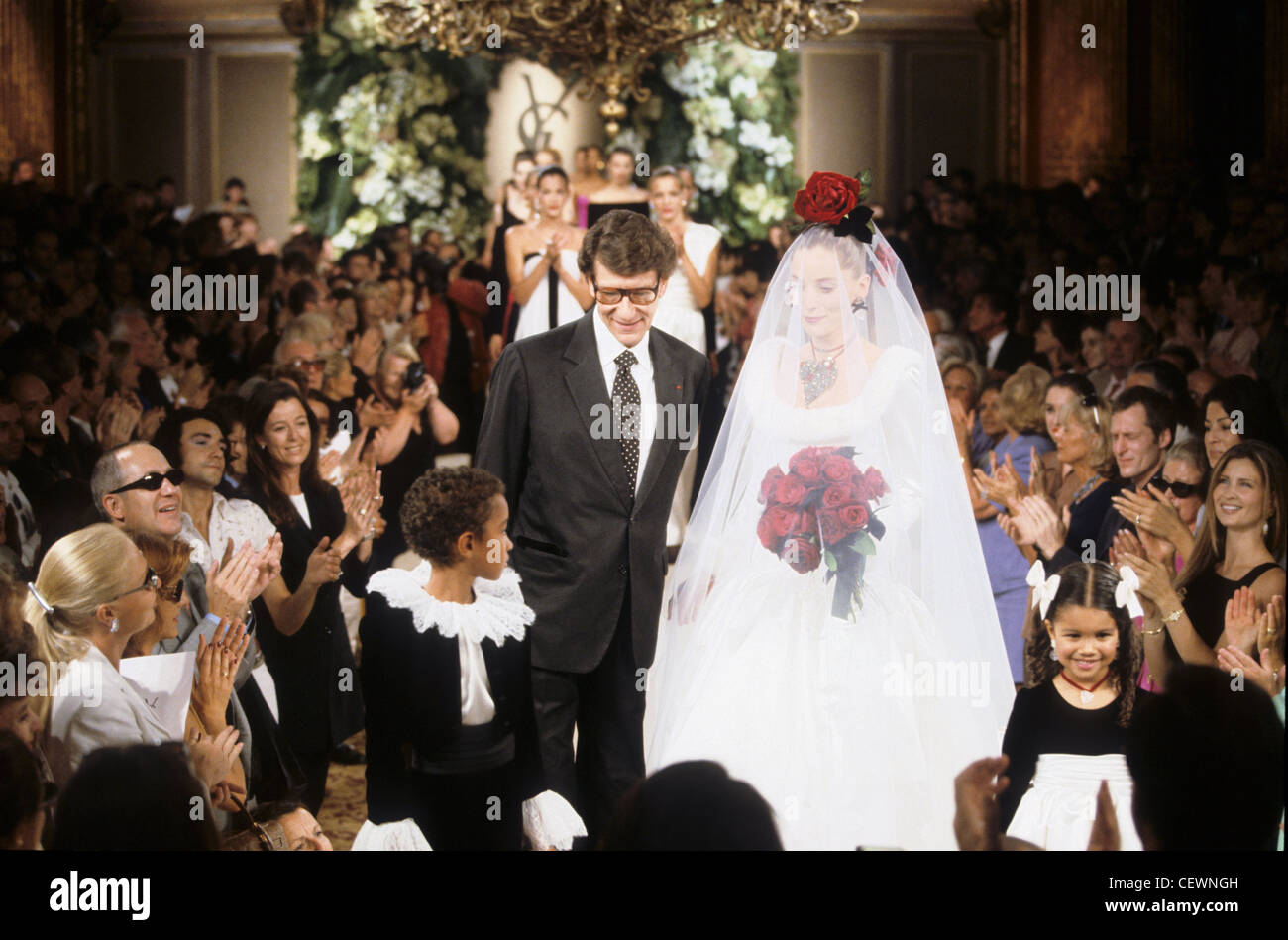 Vestiti Da Sposa Yves Saint Laurent.Yves Saint Laurent Autumn Winter French Fashion Designer Yves