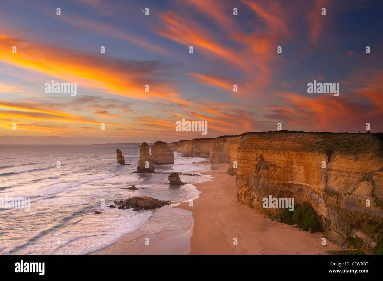 Twelve Apostles at dusk, Port Campbell National Park, Great Ocean Road, Victoria, Australia - Stock Image