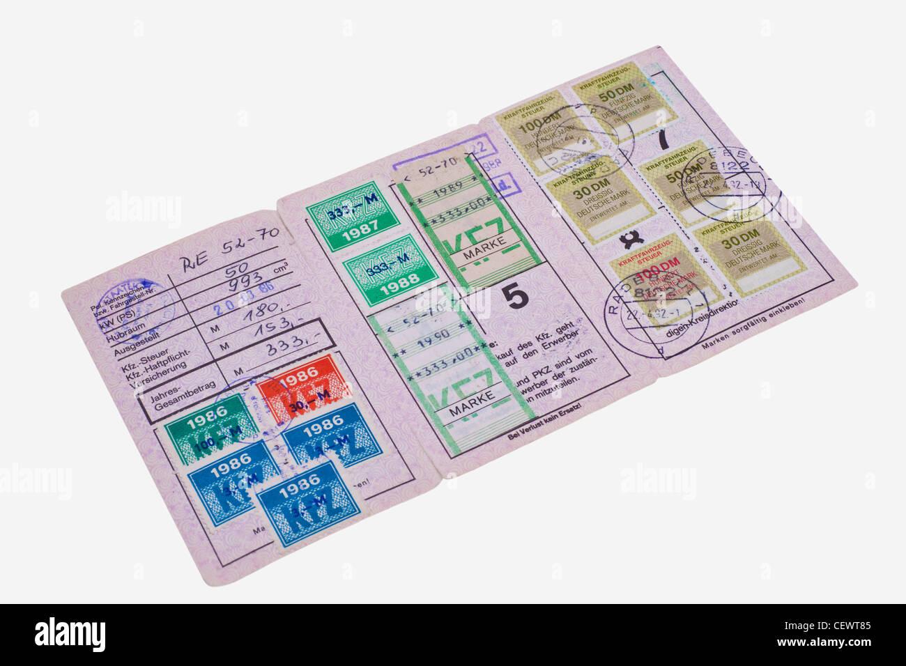 alte KFZ-Steuerkarte der DDR aus den Jahren 1986 bis 1992 | old car tax card from GDR from 1986 to 1992 - Stock Image