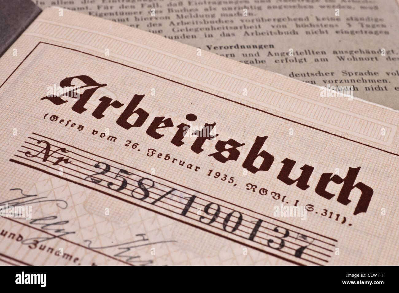 Arbeitsbuch des Deutschen Reiches aus dem Jahre 1935/1936 | Exercise Book of the German Reich from 1935/1936 - Stock Image
